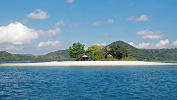 Private Full-Day Lombok Island-Hopping Cruise with Snorkelling & Lunch
