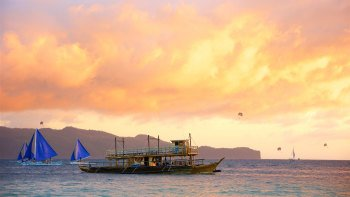 Private Manila Bay Sunset Cruise with Dinner
