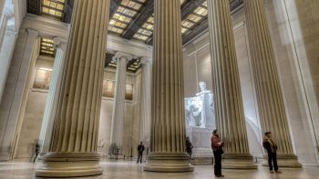 Sightsee D.C. Full-Day Tour with Potomac Cruise