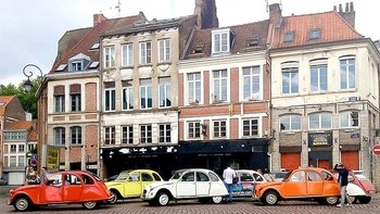 Private City Tour of Lille in a Vintage Citroen 2CV