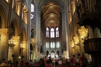 Perfect Day in Paris: Louvre Museum & Notre Dame Tour with Seine Cruise