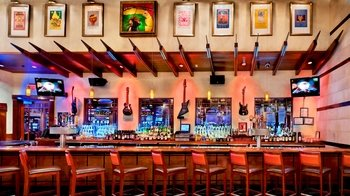 Dining at Hard Rock Cafe Ft. Lauderdale with Priority Seating