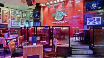 Dining at Hard Rock Cafe Niagra Falls with Priority Seating
