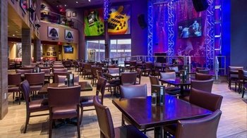 Dining at Hard Rock Cafe Mall of America with Priority Seating