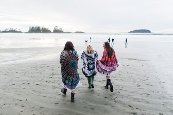 Private Session with a Local Photographer in Tofino and Ucluelet