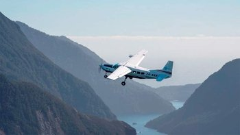 Milford Sound and three Glaciers Scenic Flight