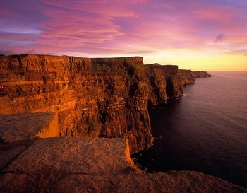 Aran Islands Cruise & Cliffs of Moher Tour from Galway