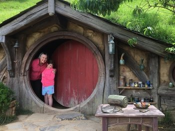 Glowworm Caves & Hobbiton Full-Day Tour