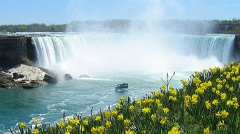Niagara Falls Day Trip from Chicago by Air with Maid of the Mist Boat Ride ...
