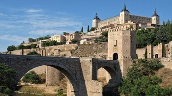 Toledo at Your Own Pace with Walking Tour & Transportation