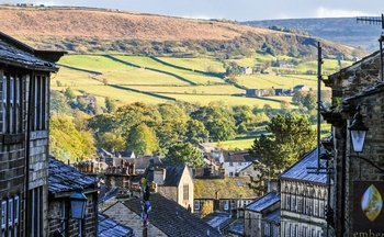 Guided Day Tour of Haworth & Bolton Abbey via Minicoach