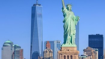 Guided Luxury Bus & Walking Tour with New York Harbor Cruise