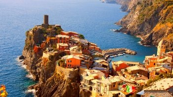 Town-Hopping in Cinque Terre: Day Trip & Boat Tour from Rome