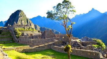 2-Day Short Inca Trail Hike to Machu Picchu