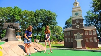 Philly Mini Golf at Franklin Square