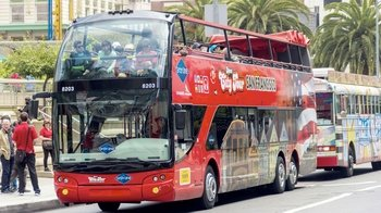 48-Hour Hop-On Hop-Off Pass & 3 Bus Tours Combo Package