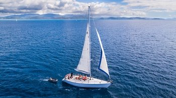 3-Day Small-Group Whitsunday Islands Sailing & Snorkeling Tour
