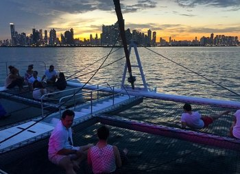 Sunset Sailing Bay Cruise with Snacks & Open Bar