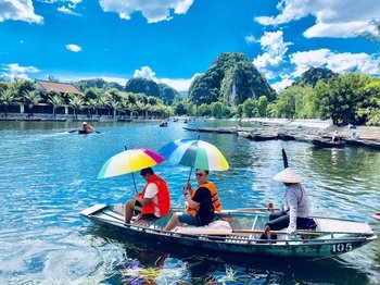Countryside Excursion to Hoa Lu & Tam Coc
