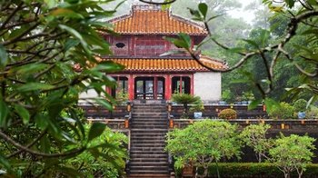 Private Imperial City, Temples & Minh Mang Tomb Tour