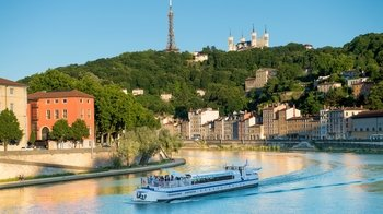 Lyon City Card with Roundtrip Rhonexpress Train Transfer to Lyon Airport
