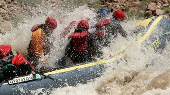 Full-Day Whitewater Rafting Trip Through Cataract Canyon