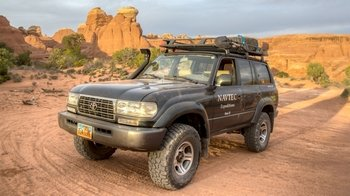 2 National Parks 4x4 Excursion with Lunch