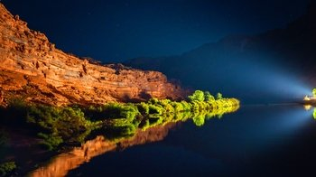 Jet Boat Cruise on the Colorado River with Barbecue Dinner & Light Show