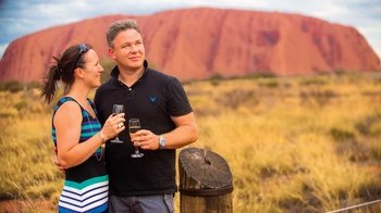 Guided Sunset Tour of Uluru & Mutitjulu with Refreshments