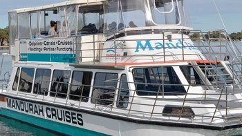 Mandurah Canals Cruise in Search of Dolphins