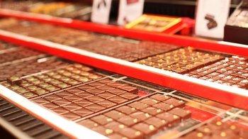 Chocolatier & Patisserie Tour in Saint-Germain with Tastings