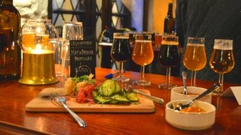 Traditional Norwegian Food Tour with Chocolate, Entree, Dessert & Beer