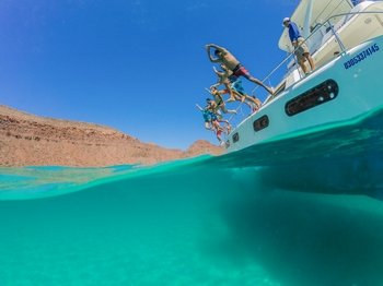 Guided Sailing & Snorkelling Adventure in the Sea of Cortez