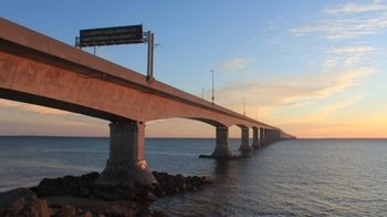 Charlottetown, South Shore & Confederation Bridge Bus Tour