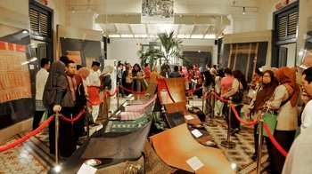 Private Introduction to Batik at the Textile Museum