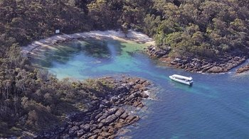 Jervis Bay Scenic Beaches, Caves & Cliffs Eco Cruise