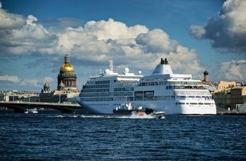 Shore Excursion: 2-Day Visa-Free Tour in St. Petersburg