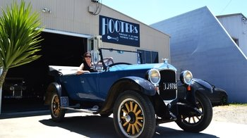Full-Day Self-Guided Napier Driving Experience in a Vintage Car
