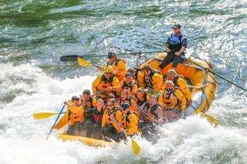 Classic Whitewater Rafting Tour in Snake River Canyon