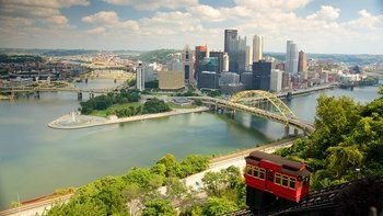 Hop-On Hop-Off Bus Tour with Sightseeing Cruise & Duquesne Incline Ride