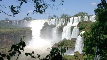 Private Day Trip to Iguazu Falls from Buenos Aires with Flights