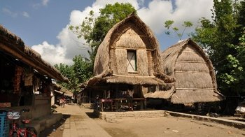 Full-Day Tour of Lombok Traditional Villages & Kuta Beach