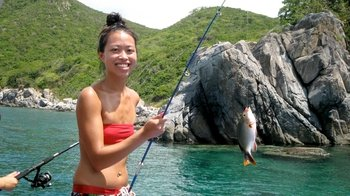 Private Guided Tour to Mun Island with Fishing & Seafood Lunch