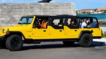 Funky Nassau Half-Day Tour with Lunch & Local Drinks