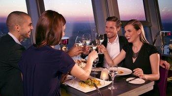 ,Sin colas + mesa en restaurante,Torre de Telecomunicaciones