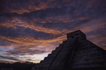 Private Chichen Itza Sunrise & Valladolid Photography Tour