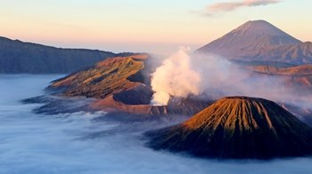 Private Early-Morning Tour to Mount Bromo via Jeep