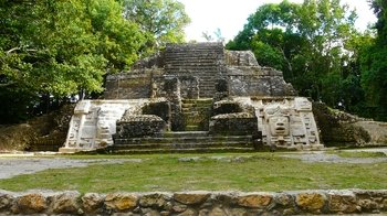 Private Tour of the Lamanai Mayan Ruins & New River Boat Ride