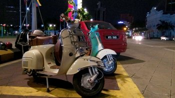 Private Kuala Lumpur Evening Tour by Vespa