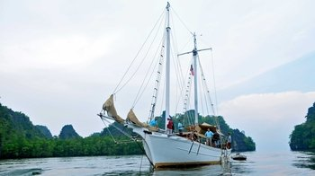 Langkawi Islands Yacht Cruise with Barbecue Lunch
